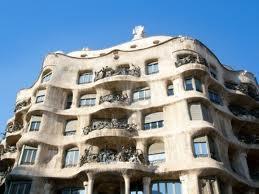 Las fachadas deben tener formas especiales.