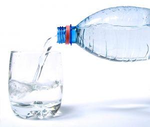 no beber agua en exceso