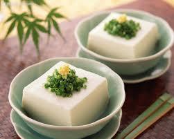 El tofu o taufú es un gran alimento.
