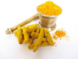La cúrcuma o palillo tiene propiedades desinflamatorias y antitumorales.